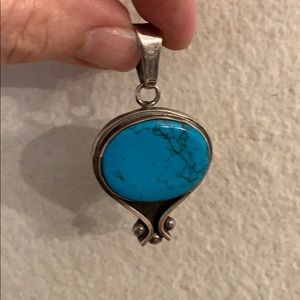 Jewelry - Beautiful turquoise pendant. Gently used.